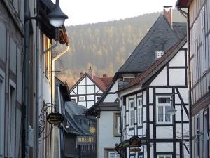 Schöne Fachwerkbauten am Fuße des Harzes - wie gemalt :-)